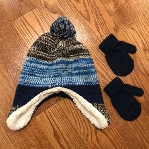 NWOT Hat and gloves set for baby boy